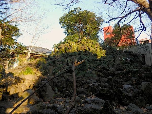 「下谷坂本の富士塚」(国指定 重要有形民俗文化財)