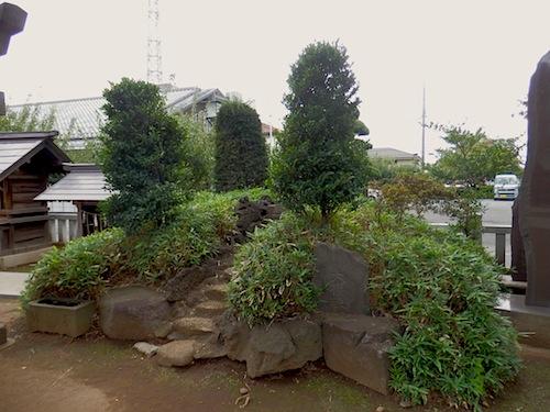 「北野神社」境内の富士塚