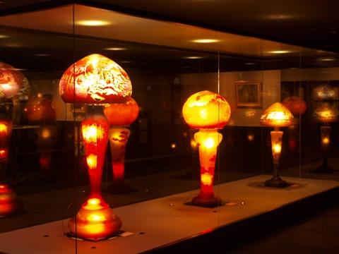 石狩美術館・ガレのランプ(2010.05.03)