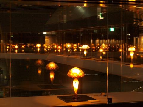 石狩美術館・たくさんのランプ(2010.05.03)