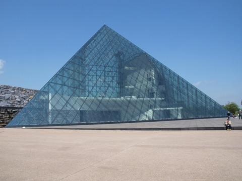 ガラスのピラミッド(2010.06.05)