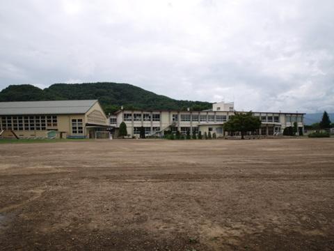 五稜郭の中に学校?(2010.08.09)