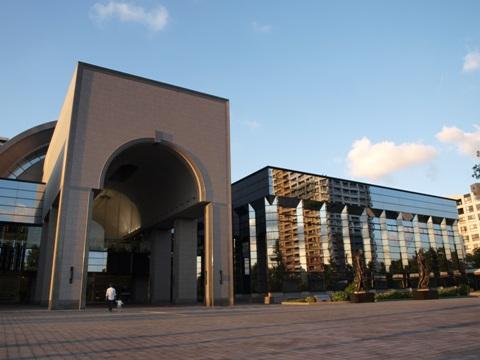 福岡市博物館、表はこちら(2010.10.10)