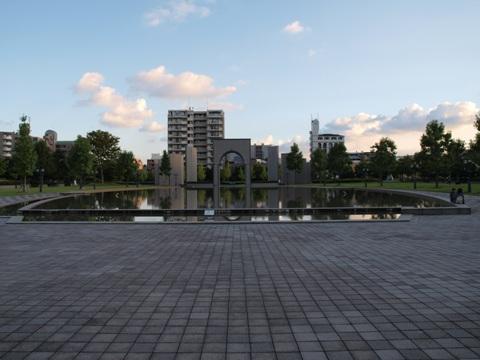福岡市博物館、水辺(2010.10.10)