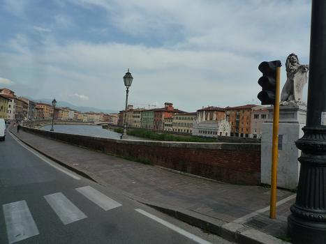 「2011-イタリア」⑤ピザバス