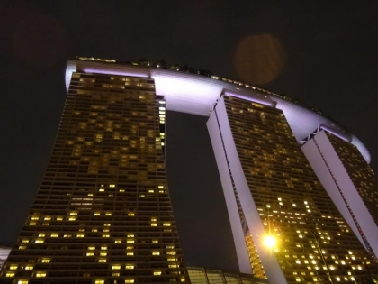 巨大ホテル