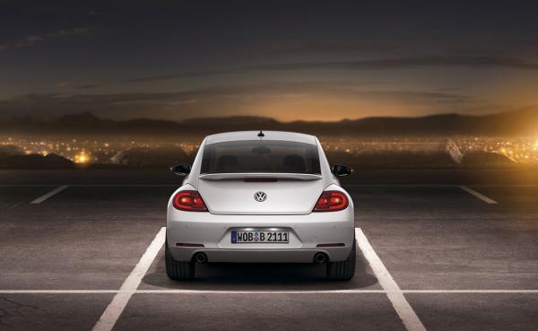 001-2012-volkswagen-beetle_convert_20110421112008.jpg