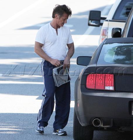 Sean-Penn-Ford-Mustang.png