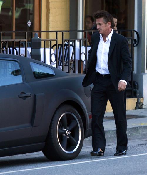 Sean-Penn-Mustang.jpg