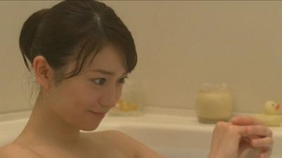 """大島優子、新CM お風呂で体を洗う""""ヌードシーン""""も披露"""