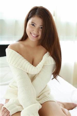 西崎莉麻(21)、初DVDでセクシーなビキニ姿などを披露…父親は元プロ野球選手の西崎幸広氏
