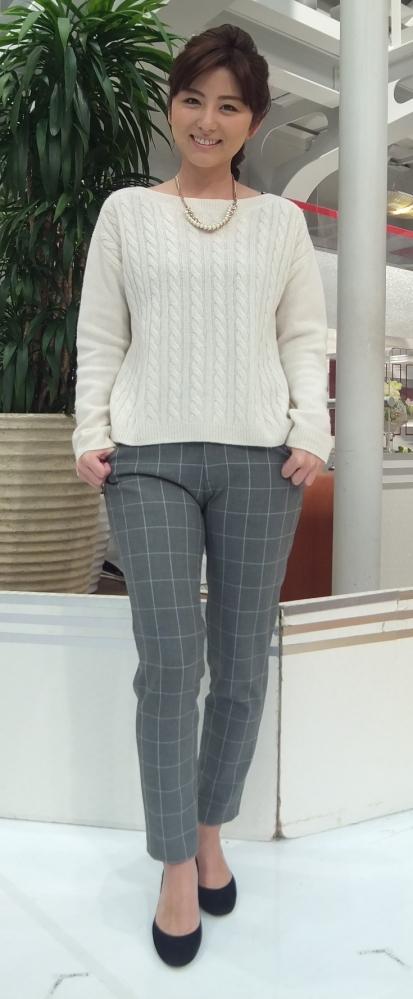 【朗報】テレ朝アナウンサーの宇賀ちゃん、ズボンの上から割れ目くっきりで池上さんも興奮
