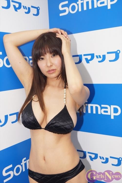 30歳Hカップグラドル 花井美理「通行人に見られての撮影は恥ずかしかった」