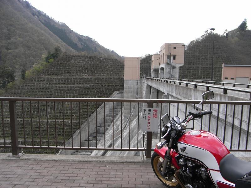 ダムの放流時間ではないのでとても静か