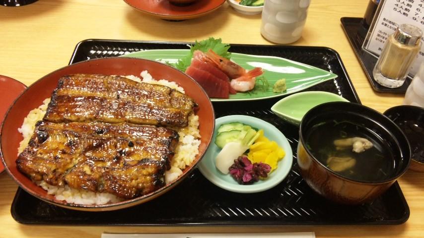 鰻丼と刺身定食どちらも美味でしたw