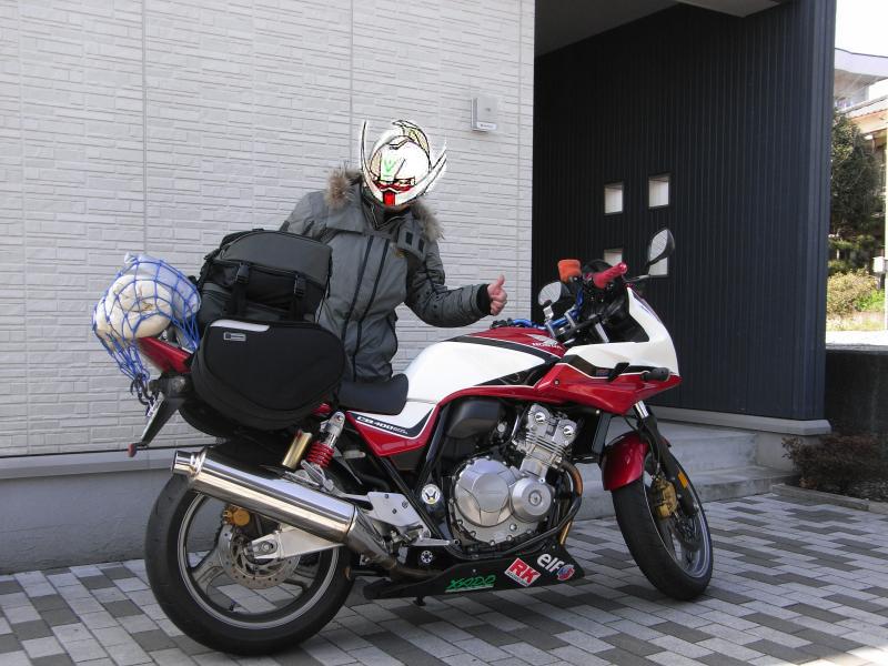 バイクをよく見ると色々と弄ってますね~w