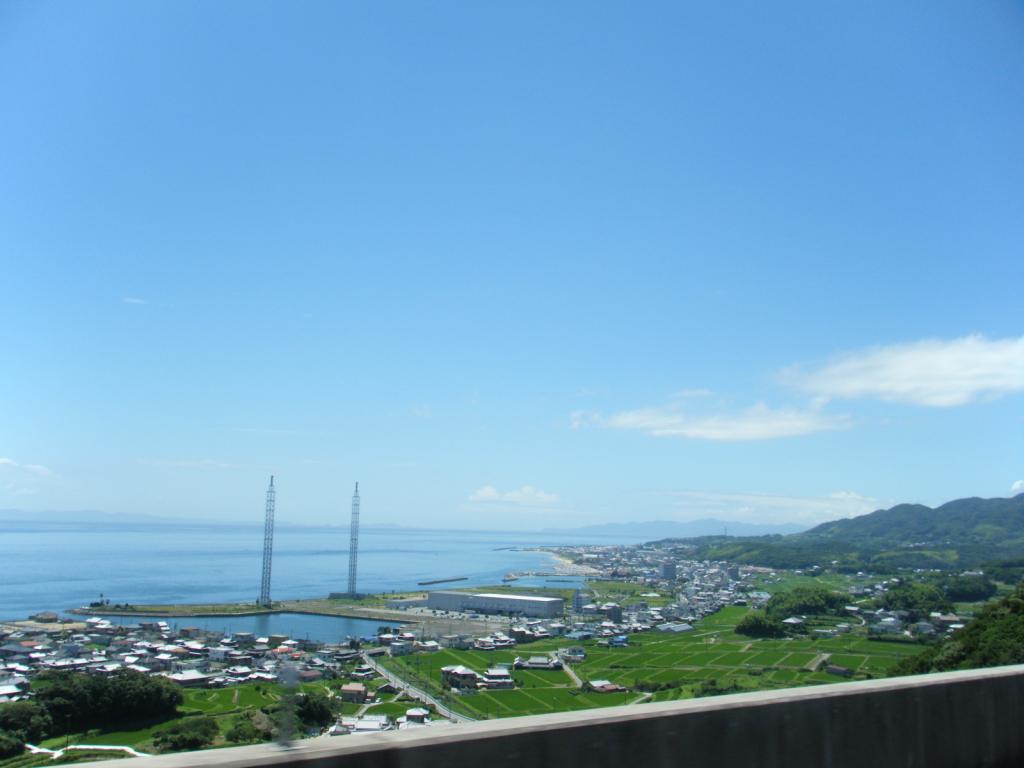 この淡路上陸後すぐの場所はとてもいい眺めで走れます♪
