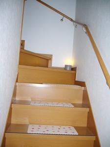 階段ライト明るい