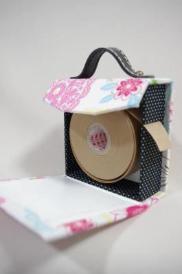 水貼りテープケース 2