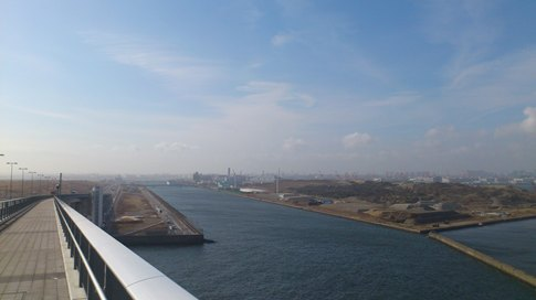 防波堤側昇降口