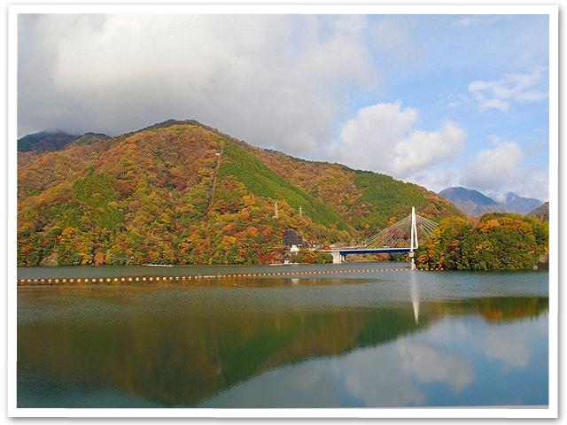 大山寺と丹沢湖