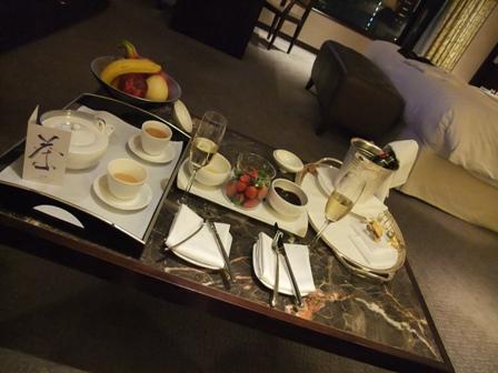お茶とフルーツとシャンパンと2