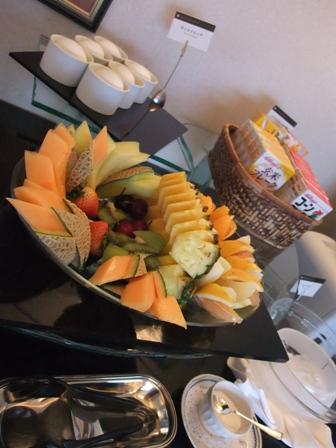朝食 ビュッフェテーブル5