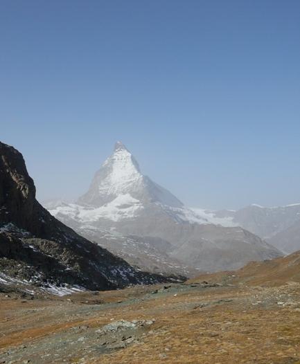 167マッターホルンとクライミング試験を行う黒い山