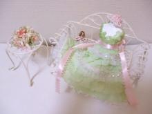 花冠はなかんむり 名古屋 プリザーブドフラワー教室-プリンセスドールチェアーアレンジ