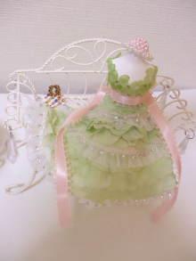 花冠はなかんむり 名古屋 プリザーブドフラワー教室-プリンセスドールチェアーアップ