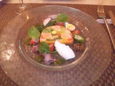 コイズミ(La briffe Chez KOIZUMI)タスマニアサーモンと春野菜のユール仕立て