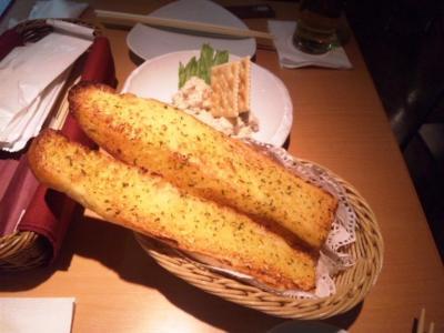YEBISU BAR(ヱビスバー)ホワイティうめだ店ガーリックトースト350円