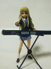 琴吹紬(キーボード演奏)