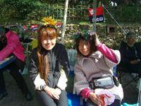 女子1位emikkoちゃん(右)、2位あきさん(左)
