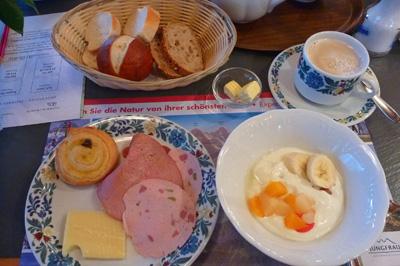 グリンデル朝食