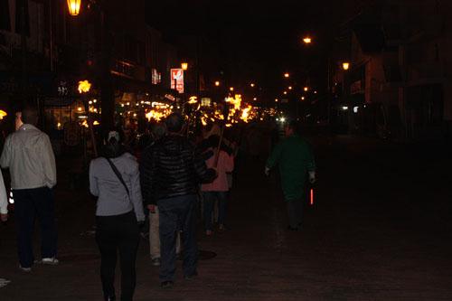 アイヌ 火祭り (7)