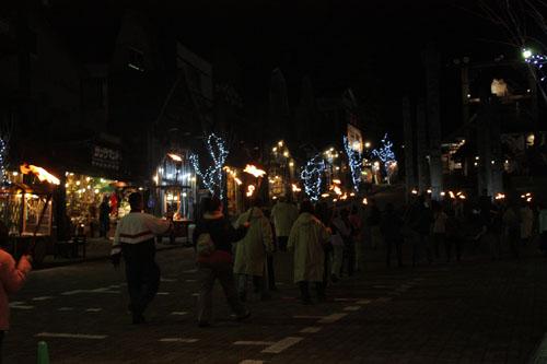 アイヌ 火祭り (8)