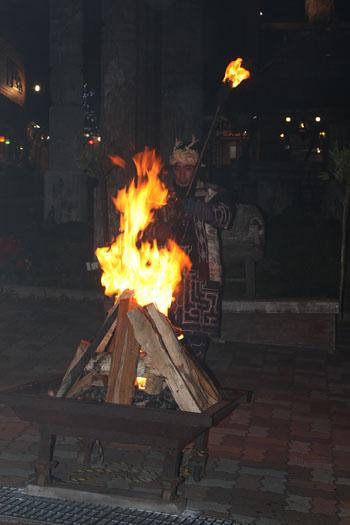 アイヌ 火祭り (9)