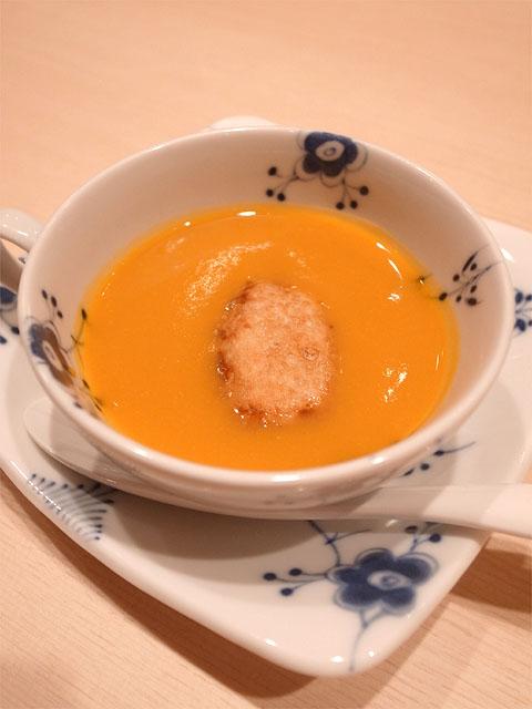 131101鮨紺乃-南瓜のスープ