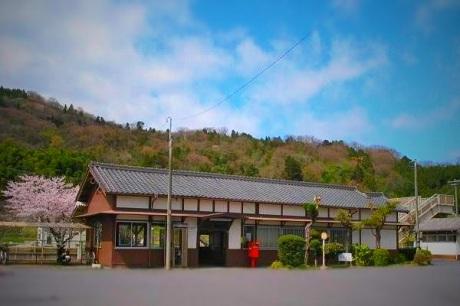 関西本線・佐那具駅