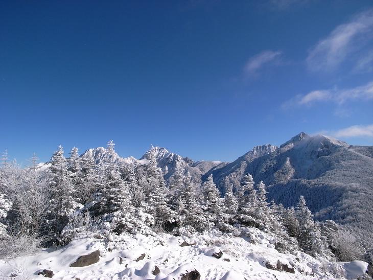 西岳 (136)