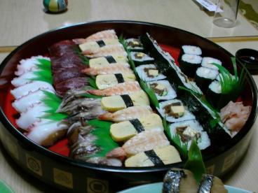 回ってないお寿司♪