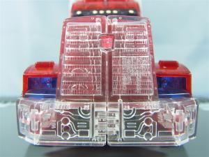 東京おもちゃショー2012 限定 シャイニングオプティマスプライム ビークルモード011