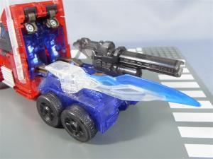 東京おもちゃショー2012 限定 シャイニングオプティマスプライム ビークルモード013