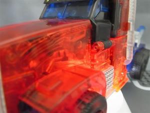 東京おもちゃショー2012 限定 シャイニングオプティマスプライム ビークルモード018