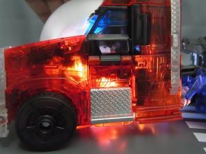 東京おもちゃショー2012 限定 シャイニングオプティマスプライム ビークルモード020