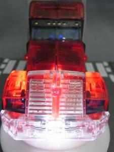東京おもちゃショー2012 限定 シャイニングオプティマスプライム ビークルモード024