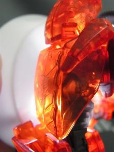 東京おもちゃショー2012 限定 シャイニングオプティマスプライム ロボットモード006