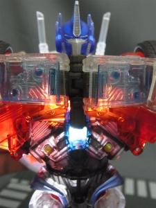 東京おもちゃショー2012 限定 シャイニングオプティマスプライム ロボットモード007