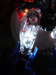 東京おもちゃショー2012 限定 シャイニングオプティマスプライム ロボットモード008